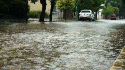Calles anegadas por las intensas lluvias