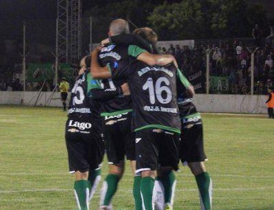 Villa Mitre le ganó 3-1 a Germinal, en la ida de los cuartos de final del Federal B