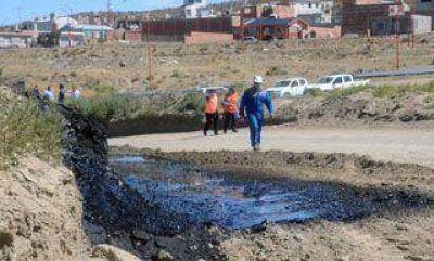 Perforaron un ducto y se produjo derrame de petróleo