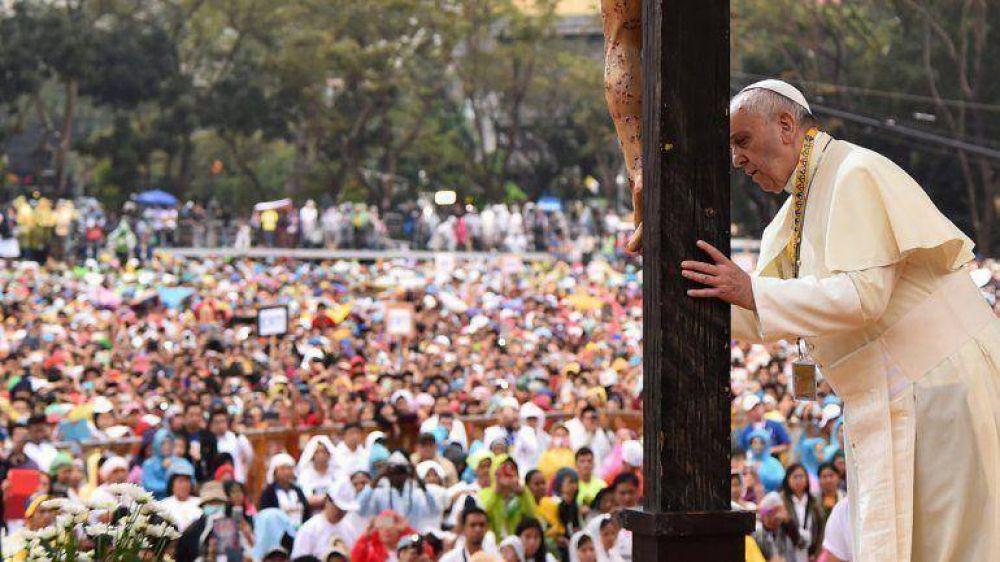 Francisco dijo que los católicos no deben reproducirse