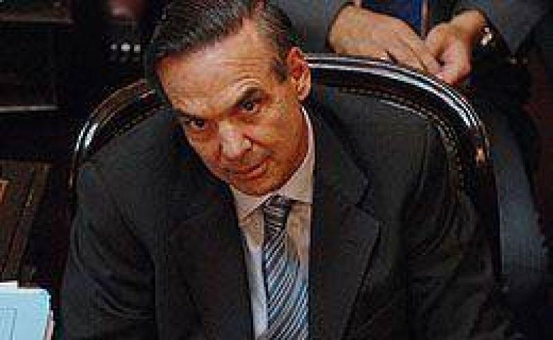 Pichetto reclama a Cobos que aclare quiénes quisieron ingresar al Senado con armas