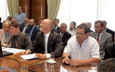UCR irá a la Justicia si reducen ingresos brutos a petroleras