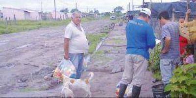 Asistieron a familias reubicadas por inundaciones