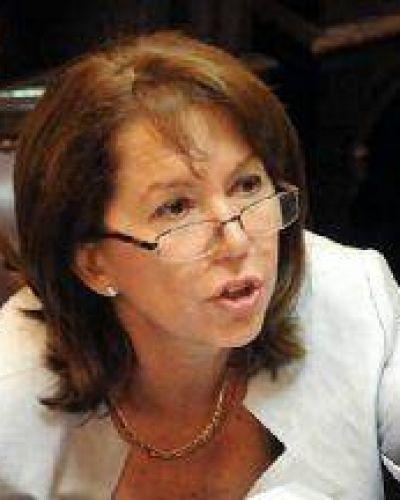 """Escudero sobre la muerte de Nisman: """"todas las miradas apuntan al gobierno nacional"""""""