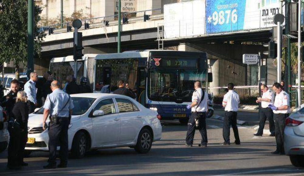 Doce israelíes resultaron heridos en un ataque terrorista en un micro de Tel Aviv