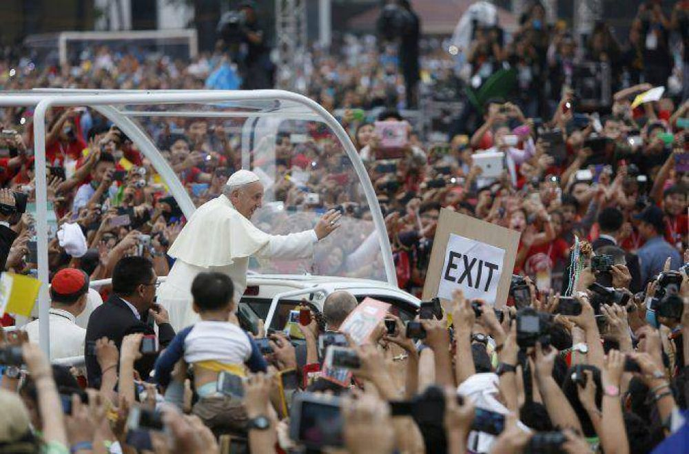 El Papa ratificó que viajará a la Argentina en 2016