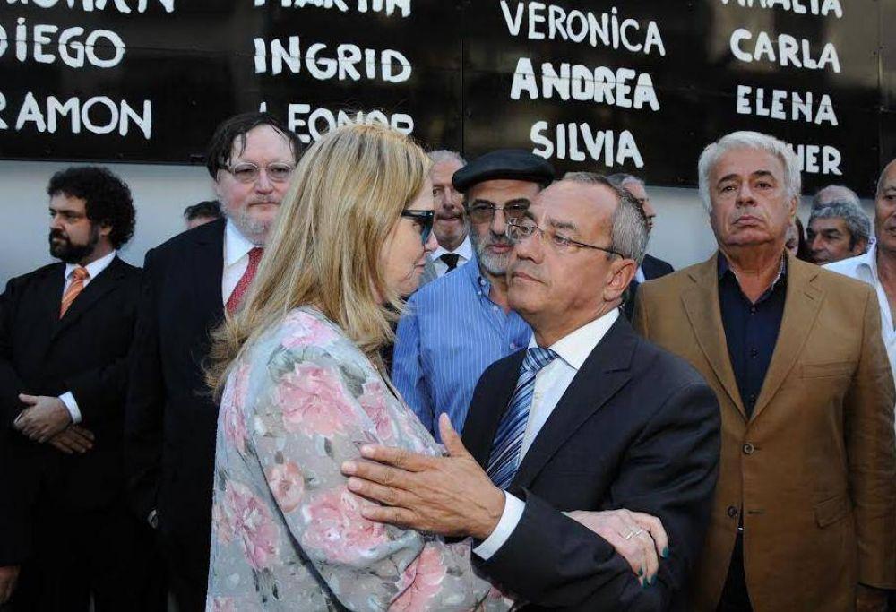 Para el embajador de Francia en Argentina, la muerte de Nisman es comparable con el atentado a Charlie Hebdo