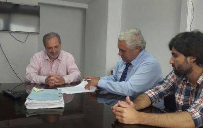 Fabián Ríos firmó convenio con Nación para la urbanización y regularización dominial del barrio Esperanza
