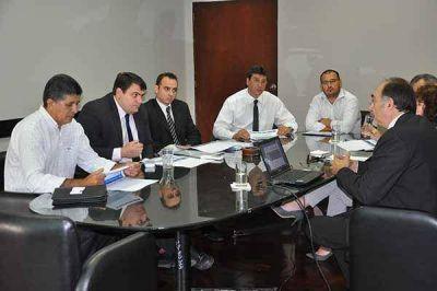 YPF present� su plan de exploraci�n hidrocarbur�fera a la Provincia del Chaco