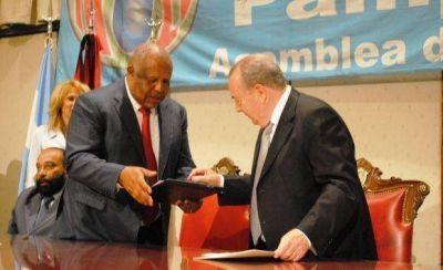Jorge firmó convenio marco con Angola