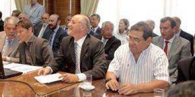 Formosa en la ronda de reuniones para mantener la producción de petróleo