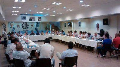 La mesa pol�tico-sindical del Frente Renovador apoy� a Adri�n P�rez