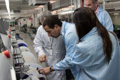 Leonardo Rial visitó la fábrica de la firma BANGHO en Vicente López