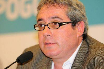 El gobernador Poggi le solicitó la renuncia al ministro de Inclusión Social