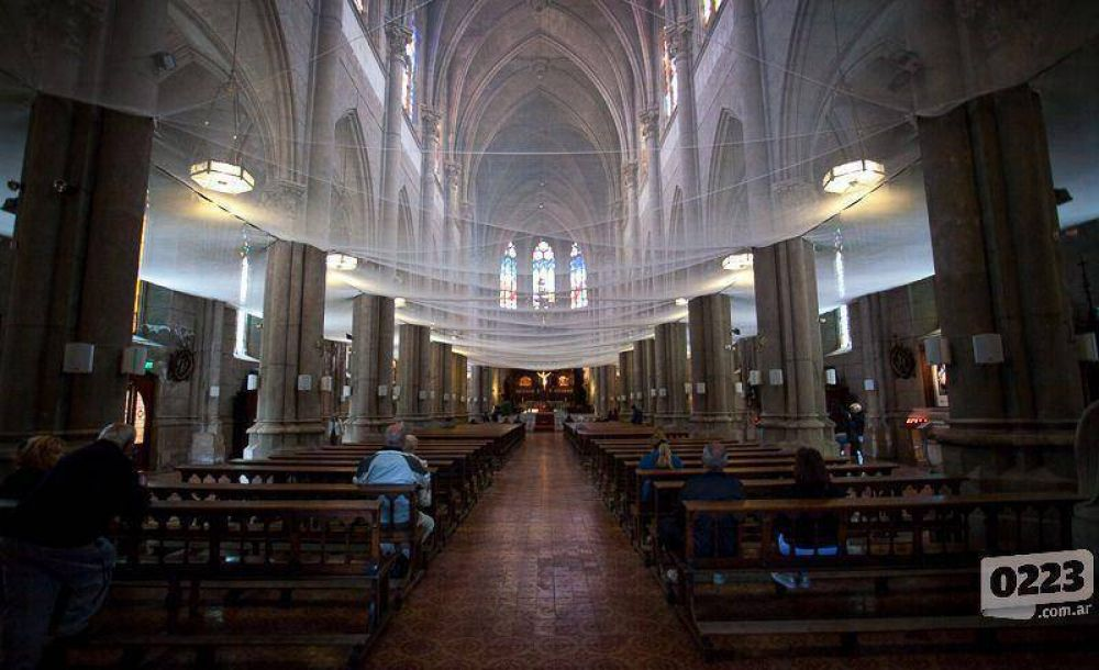 Una ayuda para Dios: entregan subsidio de $800 mil para arreglar la Catedral