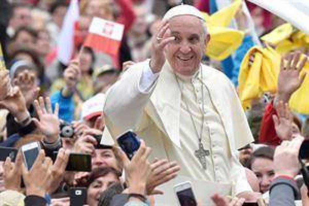 El Papa recibió a un transexual español