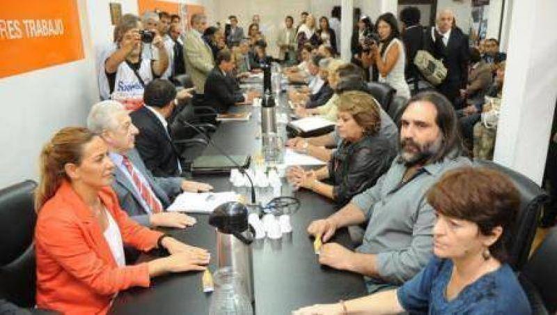 Provincia: Gobierno y docentes retoman la paritaria