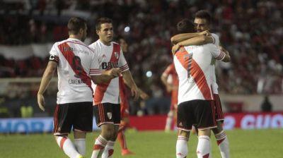 River goleó a Independiente y se llevó la Copa de Oro