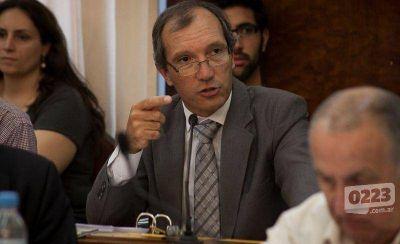 """Concejal furioso: calificó de """"vago"""" al fiscal general"""