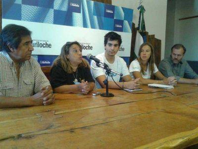 Jóvenes de Techo reiteran el pedido de donaciones para construir viviendas en el Malvinas y Nahue Hue