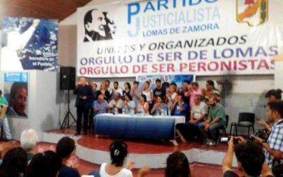 """El peronismo de Lomas de Zamora confluyó para """"asumir el compromiso de militar el modelo de soberanía popular que propone la Presidenta"""""""