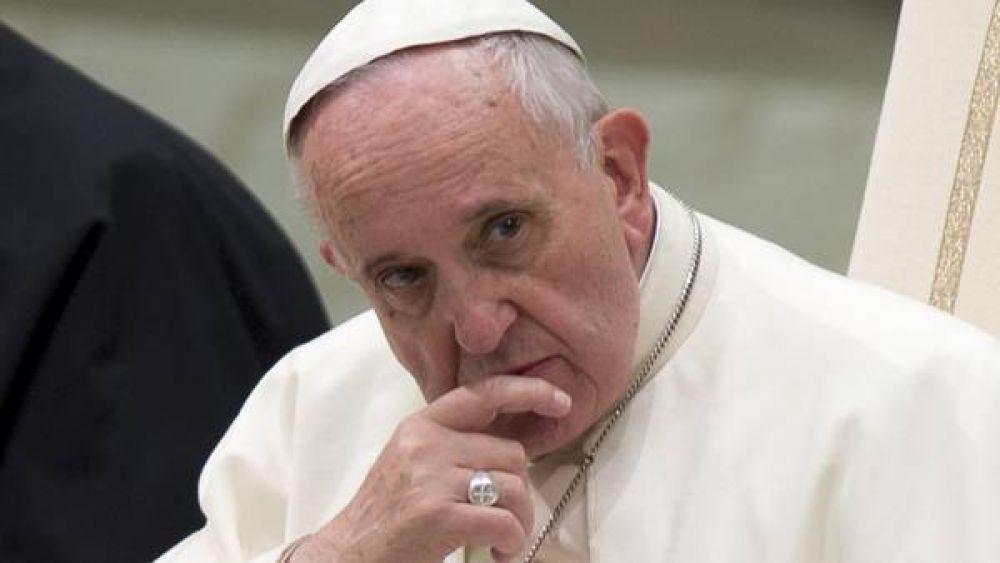 """Fuerte reto del Papa a los padres ausentes: """"Dejan solos a sus hijos"""""""