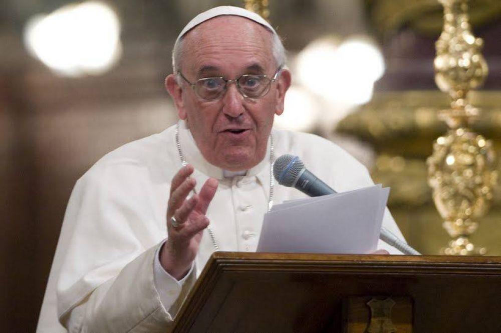 """Papa Francisco: """"Por el dios dinero se vende hasta la propia madre: la madre tierra"""""""