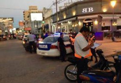 Control de tránsito en el centro de la ciudad