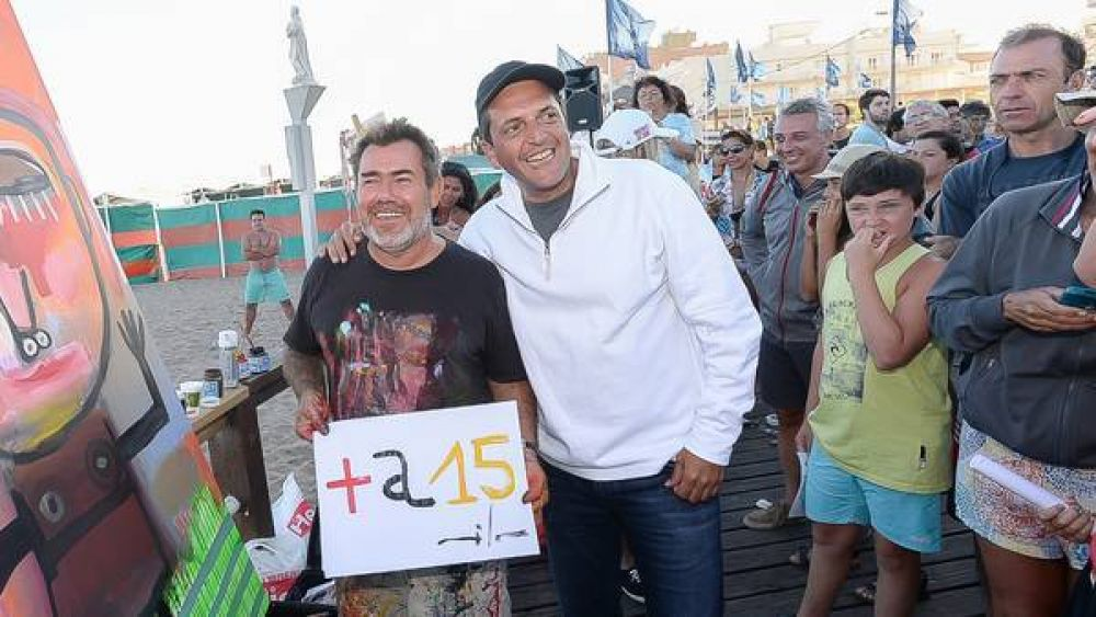 Massa, de campaña con artistas en Gesell