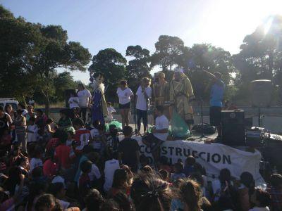 """Festejaron el """"Día de Reyes"""" en el barrio Malvinas Argentinas"""
