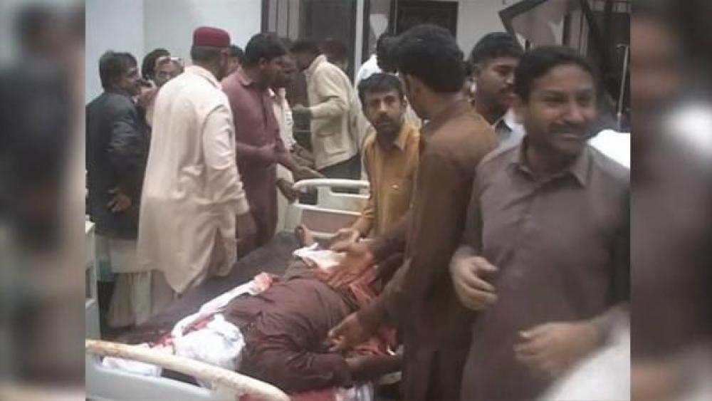 Un atentado contra una mezquita en Pakistán deja 56 muertos