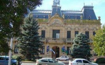 Coronel Suárez: Crisis institucional por denuncias relacionadas con sexo y alcohol en hogares de menores