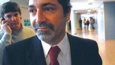 Romero busca el apoyo de los salte�os pero sigue esquivando a la Justicia