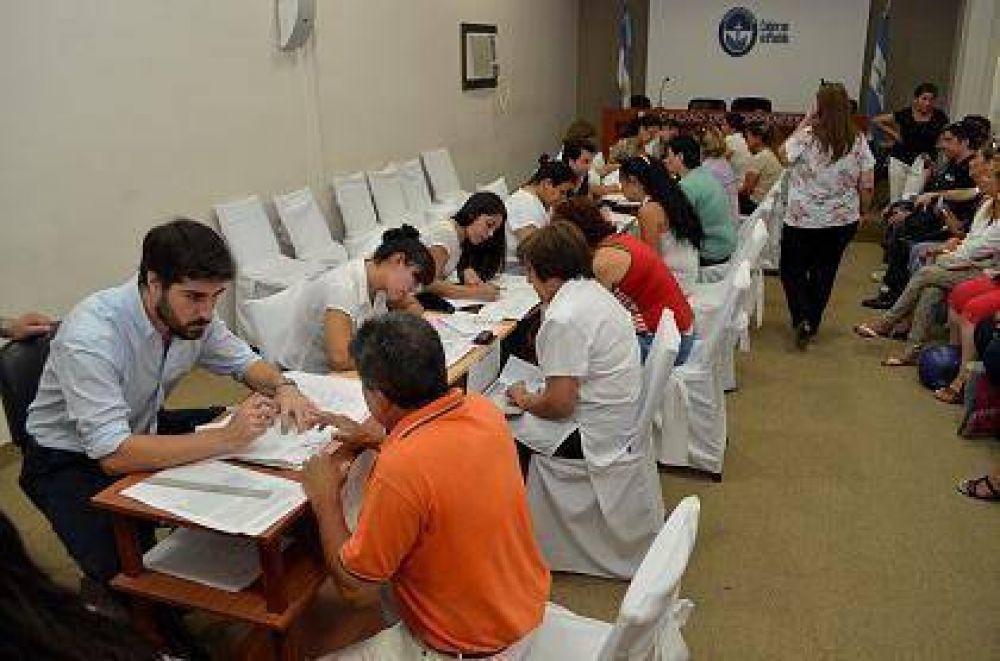 La Municipalidad de Corrientes recibe constancias para el pago de la Ayuda Escolar a sus trabajadores