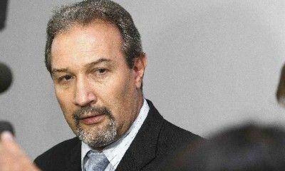Cerroni anunció disposiciones transitorias para aliviar la actividad económica