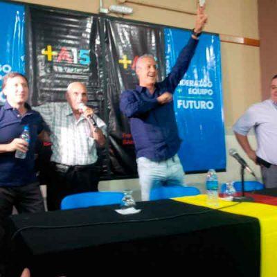 En un masivo acto político junto a Bevilacqua, Larraburu habló como candidato aunque evitó confirmarlo
