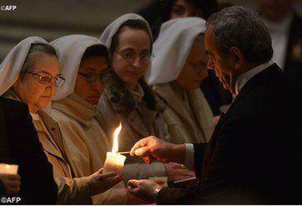 """Papa Francisco: """"Para un religioso, progresar significa abajarse en el servicio"""""""