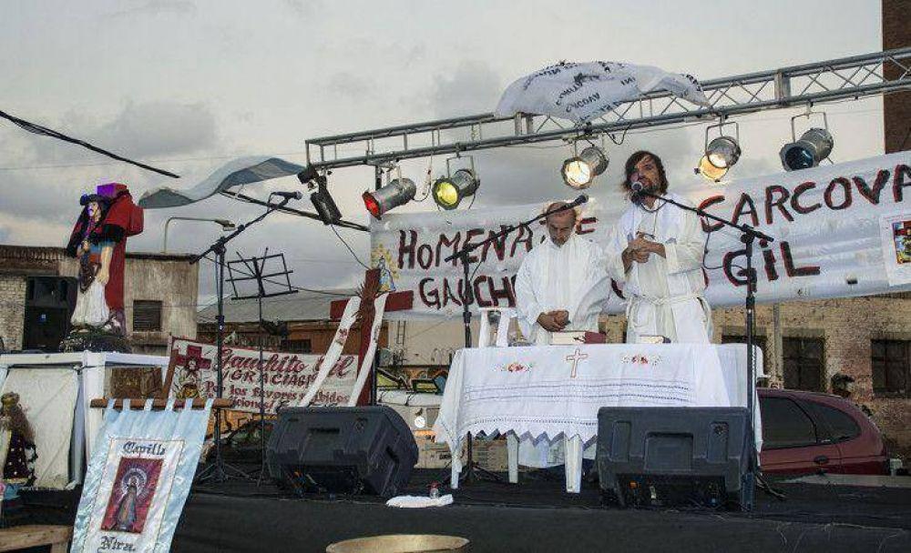 El Padre Pepe celebró la fiesta del Gauchito Gil en La Cárcova