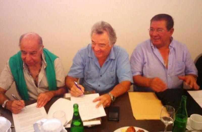 Gastronómicos firmaron el boleto de compra del Sanatorio Central EMHSA