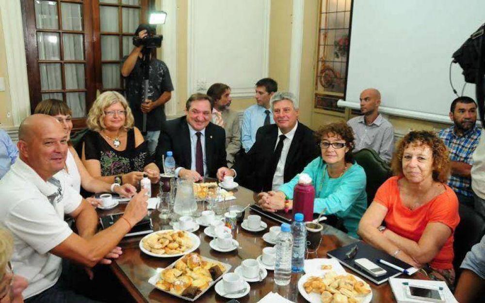 Realizaron la primera reunión paritaria con gremios docentes santafesinos
