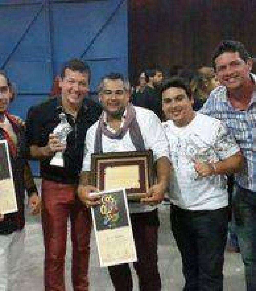 El grupo folklórico Quorum recibió el premio como consagración en Cosquín 2015