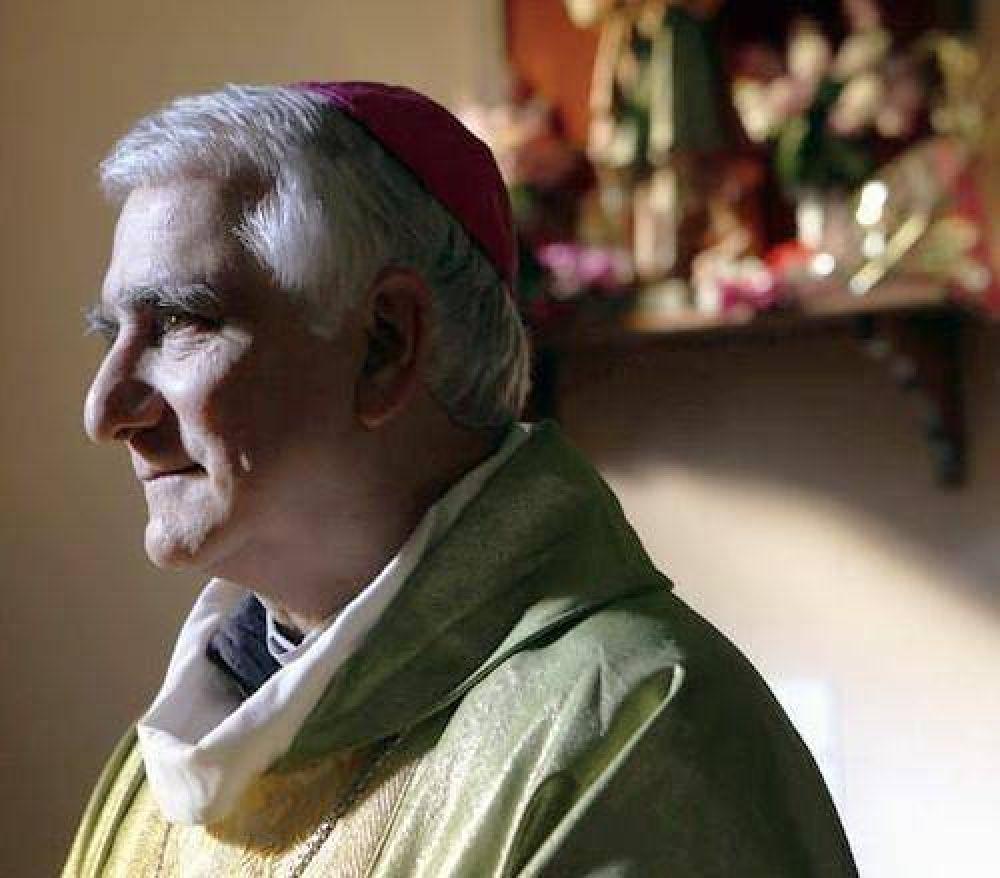 Mons. Lozano llama a asumir las piedras en el camino familiar