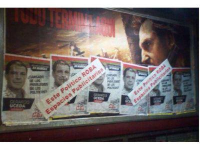 Denunciaron a Gerardo Uceda y al MST por usurpar espacios publicitarios con pegatinas