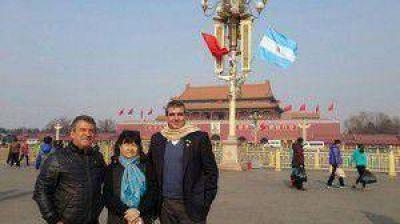 """El intendente Francisco """"Paco"""" Durañona desde China vía Facebook."""