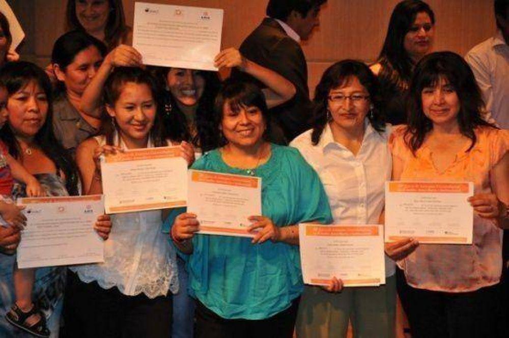 En 20 años AMIA formó a más de 1900 asistentes gerontológicos