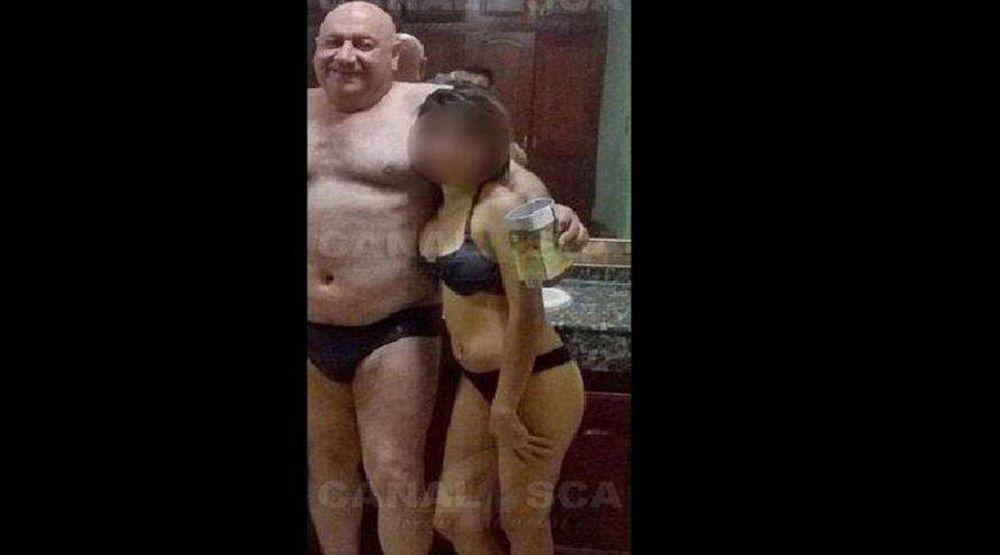Mazzone mintió: se lo ve en una foto en calzones con una menor