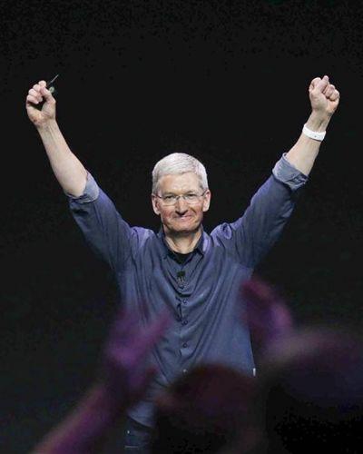 Tim Cook: la sombra de oro de Steve Jobs