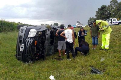 Una mujer falleció tras un vuelco en la ruta 226