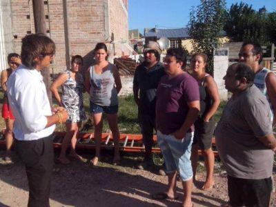 Nunzio, con vecinos que no tienen agua