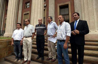 Último intento contra decreto de Pérez